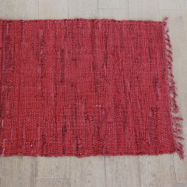 Kobereček Home Design z kůže červená rohožka červená