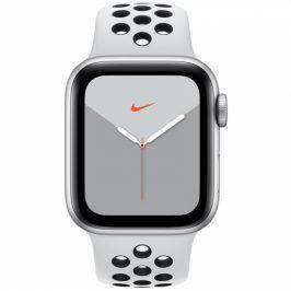 Apple GPS 40mm pouzdro ze stříbrného hliníku - platinový/černý sportovní řemínek Nike (MX3R2HC/A)